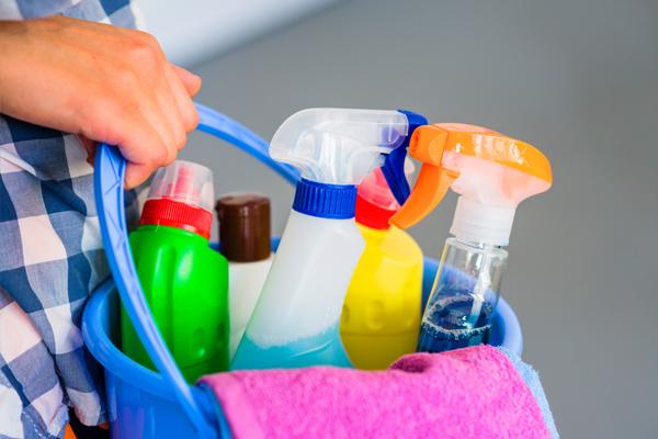 Servicio de limpieza CAYSA
